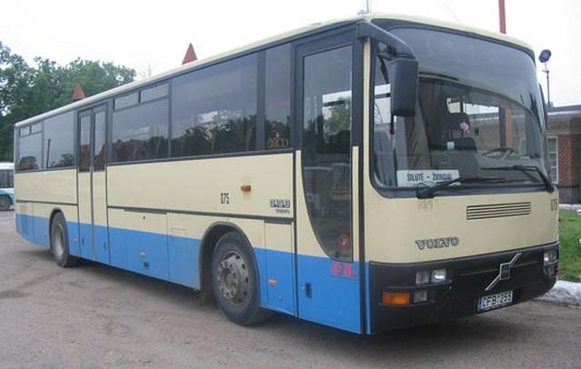 Autobusas VOLVO. Neatlenkiamos sėdynės. Sėdimų vietų skaičius 49.